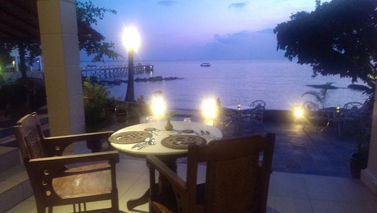 Minang Cove Resort: sunset