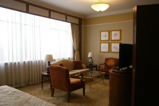 Shangri La Hotel Hangzhou: living room