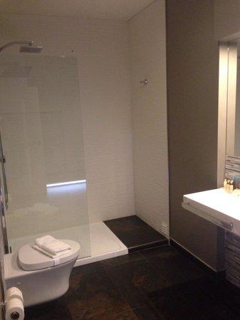 Aqua Ria Boutique Hotel: Bathroom of room 101 :)