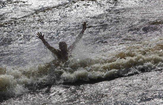 Gelios Hotel : Некоторые отважились купаться в заливе