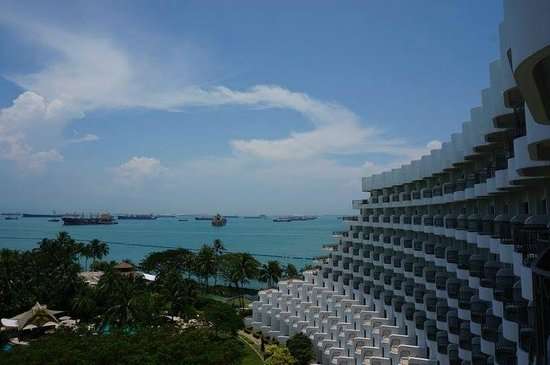 Shangri-La's Rasa Sentosa Resort & Spa : view from the room