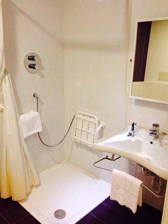 Idea Hotel Plus Milano Malpensa Airport: Bathroom