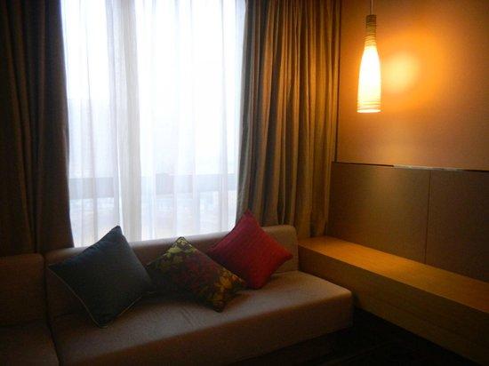 Hilton Garden Inn Shenzhen BaoAn: Room