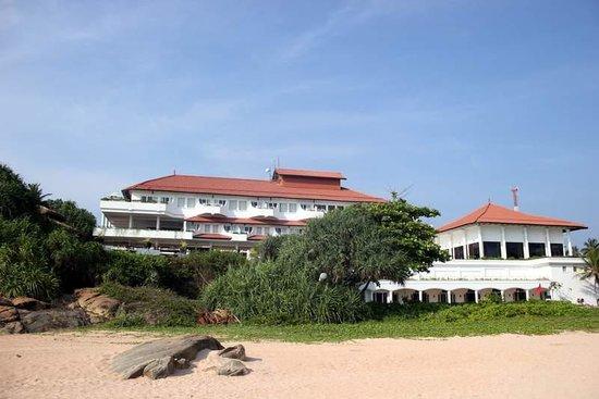 Vivanta by Taj - Bentota: The view of the hotel from the beach
