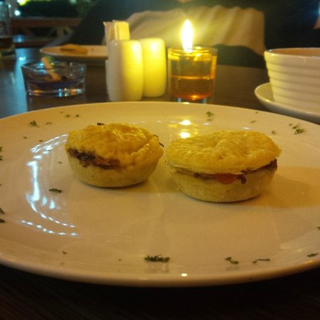 Cafe Oz: mini beef pies... love at every taste!
