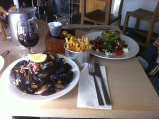 The Outsider Restaurant : Juicy mussels