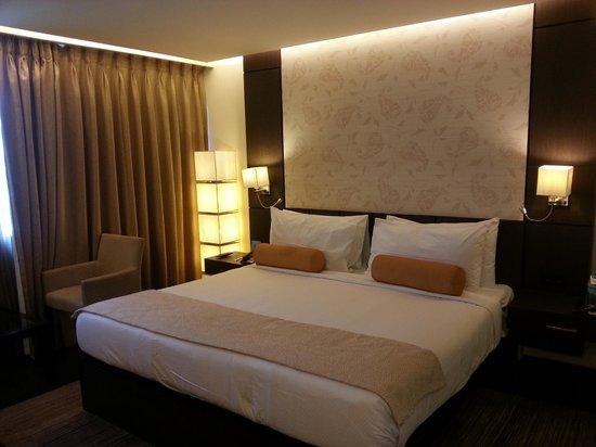 Fortune Select Metropolitan: Room