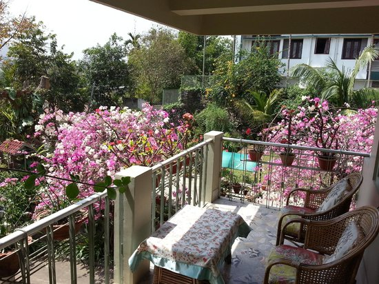 Prabhakar Homestay: Patio overlooking the city. Very calm and peaceful. Some mosquitos after sunset.