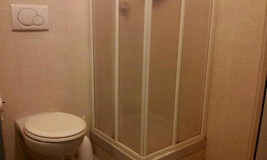 Best Hotel: Particolare del bagno1