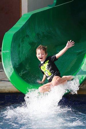 Bali Dynasty Resort Hotel: Giant Water Slide