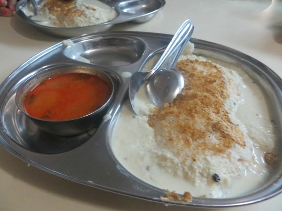 Cafe Madras : Idlis