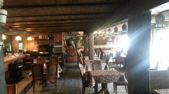 vue d\'intérieur, bois et pierre - Picture of Liburnia Restaurant ...