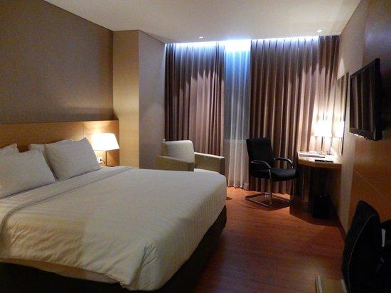 Hotel Santika Premiere Gubeng Interiornya Bagus Pilihan Channel TV Banyak