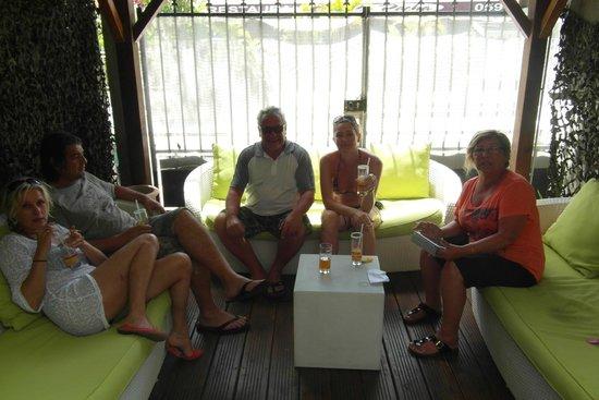 La Villa Creole: petit patio fort agréable pour prendre l'apéritif...