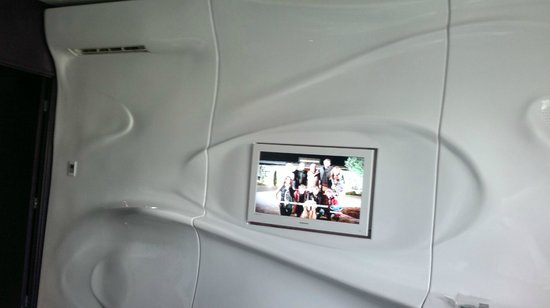 Best Western Plus Design & Spa Bassin D'Arcachon : vue du mur avec tv