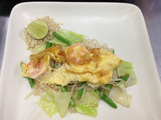 Pum's Cooking School, Patong Beach : Pad Thai