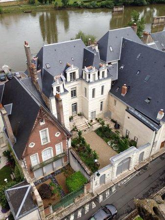 Château d'Amboise : Вид со стен замка на Луару и дома зажиточных Французов!))