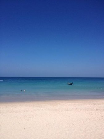 Outrigger Laguna Phuket Beach Resort : Beach view