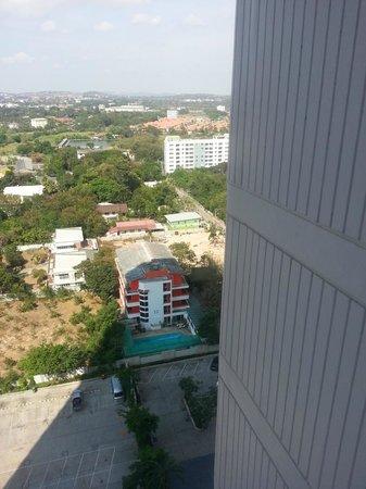 D Varee Jomtien Beach, Pattaya: Bad view