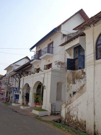 Hotel Arches : quiet street