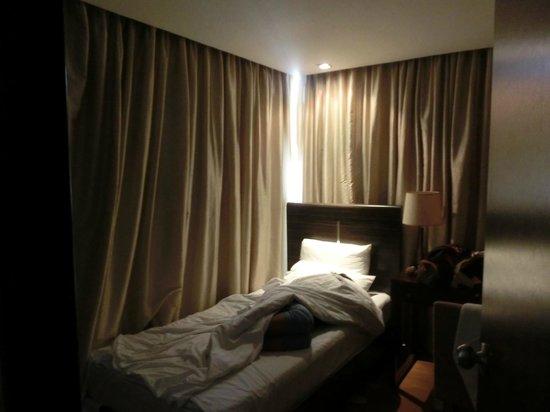 The A.Venue Hotel: 部屋2シングルベッド