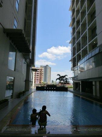 Antel Hotel: プール