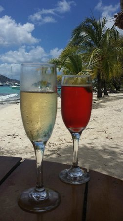 Palm Island Resort & Spa: Drinks at The Sunset Bar