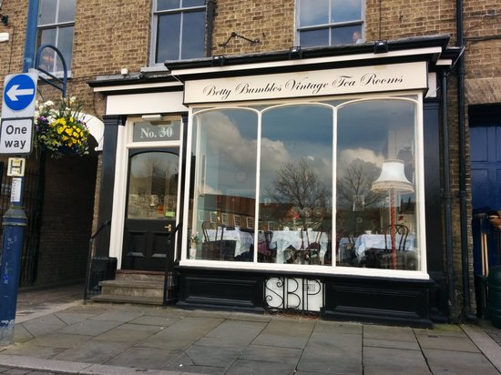 Betty Bumbles Vintage Tea Rooms: Betty Bumble's Vintage Tearoom