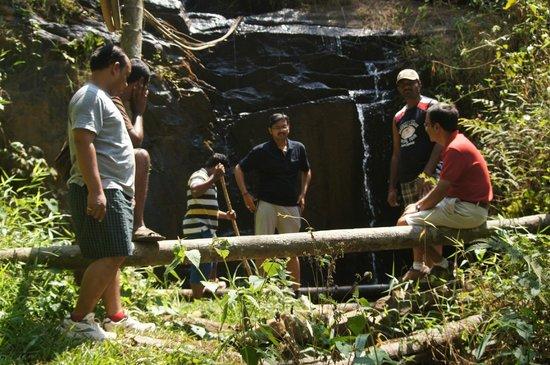 Rippon Mount Resorts: Nature WaterFall Inside Resort