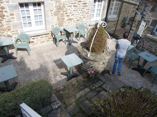 Hotel de la Porte Saint-Malo: une des terrasses exterieure