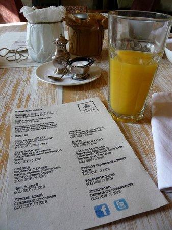 Brody House: Breakfast menu