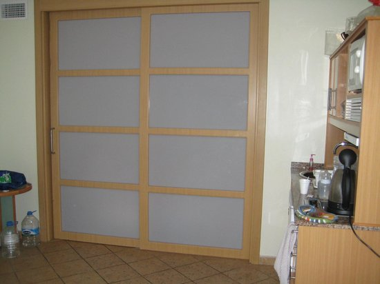 Sol Lanzarote All Inclusive : Glass doors in apartment