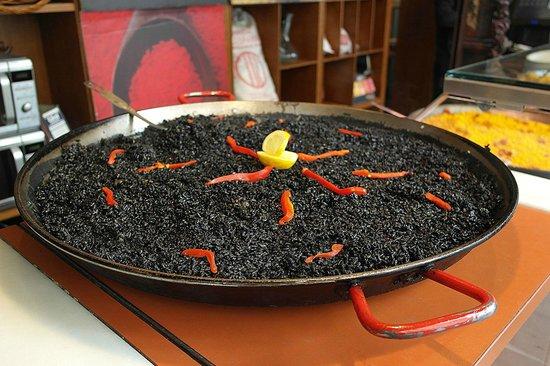 Mercado San Miguel: Paella con nero di seppia