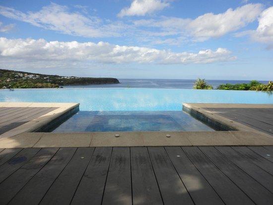 Le Rayon Vert: La piscine à débordement