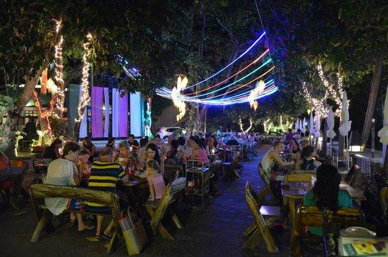 "Thai Thai Restaurant: The ""dinning hall"""