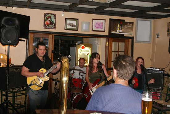Clarens Grouse & Claret: Best Live music venue in Clarens