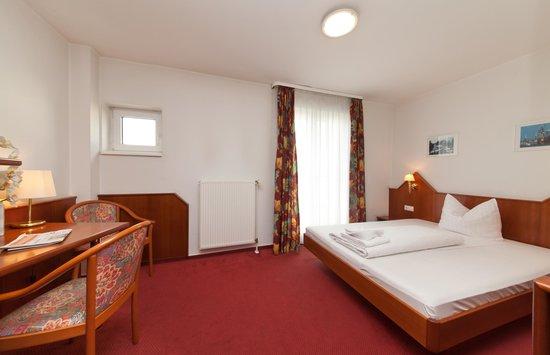 Novum Hotel Hagemann Hamburg Hafen: Queensize Zimmer