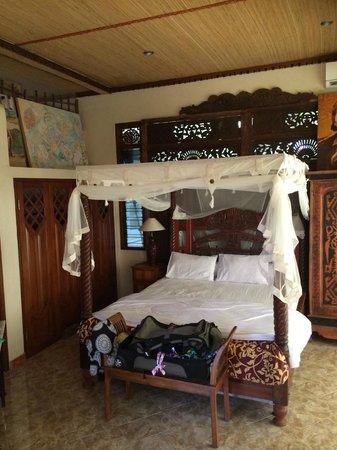 Tirta Asri Ubud: Master bedroom