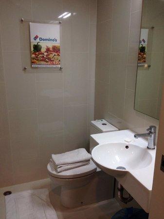 Red Planet Asoke, Bangkok: kamar mandi