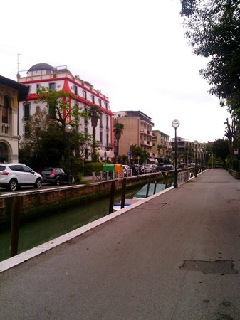 Hotel Sorriso: Улочки Лидо