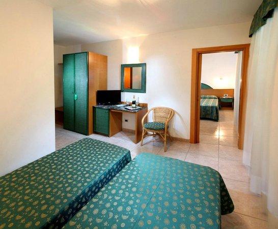 Hotel Mediterraneo: Camera Superior comunicante