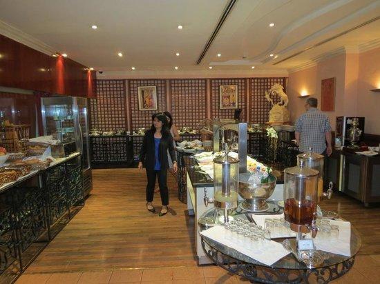 Mercure Grand Hotel Doha: Breakfast