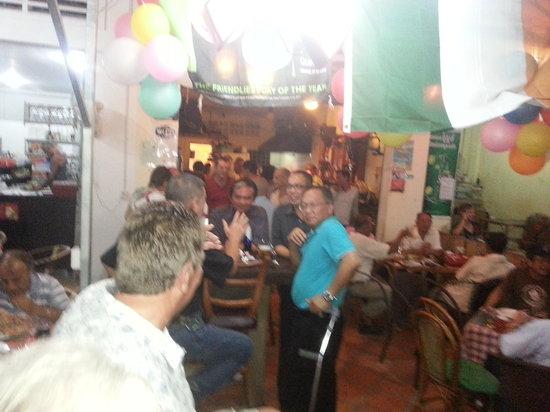 Gilligan's Ireland: party night