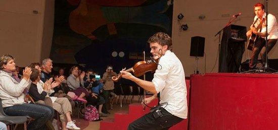 Renouveau Ty Nod : Concert à la salle de spectacle