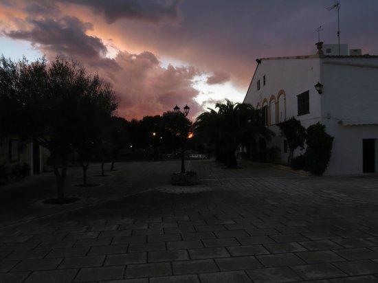 Agroturisme Biniatram: Zonsondergang in maart boven BiniAtram