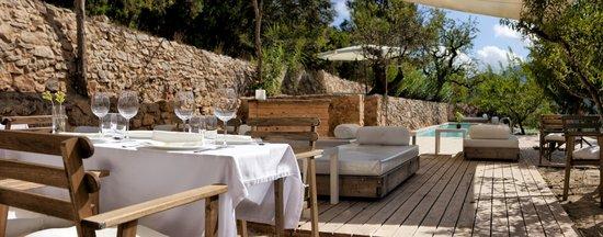 Hotel Mas Mariassa: restaurant terrassa piscina