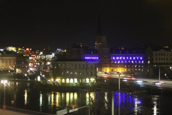 Sheraton Stockholm Hotel: Night view from room