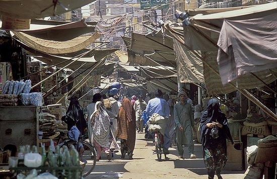 Multan, Pakistan: Hussain Agahi Bazar