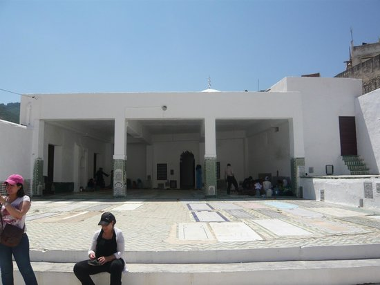 Moulay Idriss Zerhoun : Al Qabour al ahl al Moulay Idriss (Family graves of Moulay Idriss)