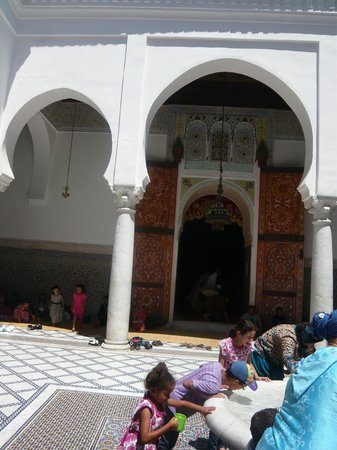 Moulay Idriss Zerhoun: The Entrance to al Qabr Moulay Idriss al awal (The tomb of Moulay Idriss the first)